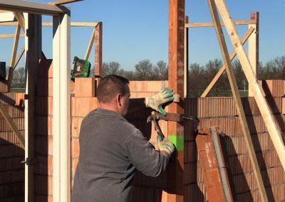 bouwplaats wei bovenverdieping stellen sprangers metselwerk en meer