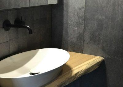 tegelwerk toilet liggende foto sprangers metselwerk en meer