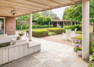 tuinhuis en tuin